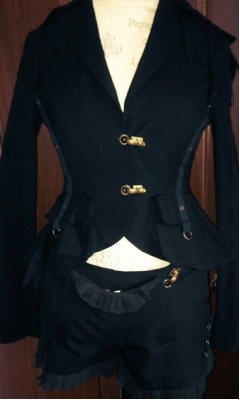 Bow Tie and Ruffle Detail Short Suit