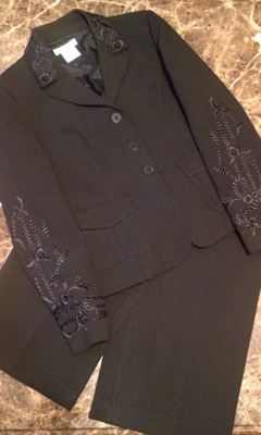 Capri Suit with Embroidered Detailing